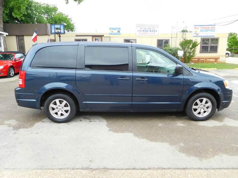2008 Chrysler Town and Country LX 4dr Mini-Van - San Antonio TX