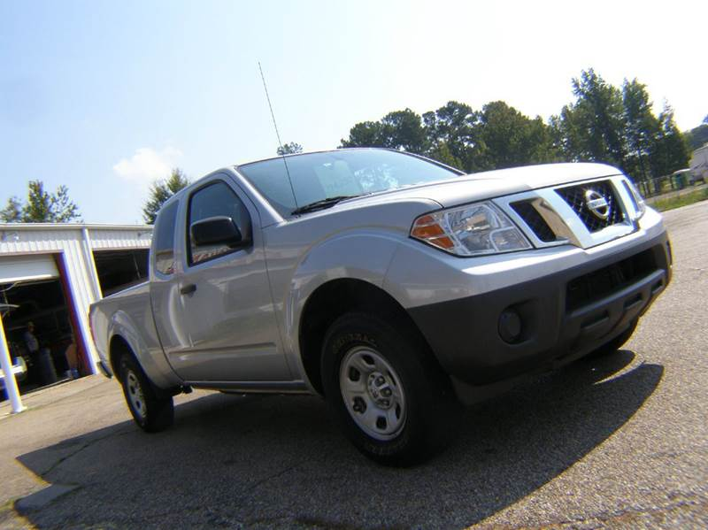 2015 Nissan Frontier 4x2 S 4dr King Cab 6.1 ft. SB Pickup 5A - Columbia MS