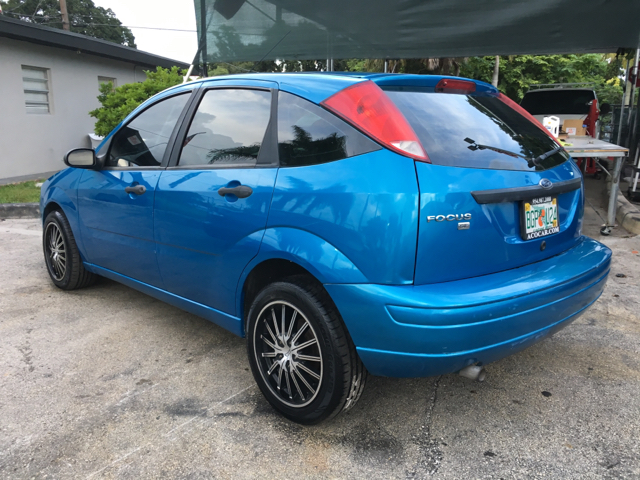 2007 ford focus zx5 se 4dr hatchback in hollywood fl. Black Bedroom Furniture Sets. Home Design Ideas