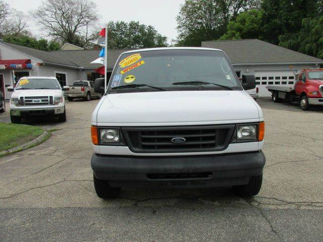 2005 Ford E-Series Cargo E-250 3dr Cargo Van - Moosup CT
