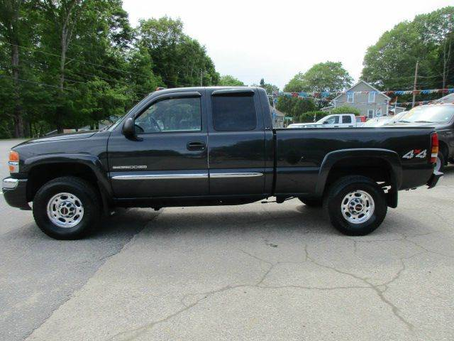 2004 GMC Sierra 2500HD 4dr Extended Cab SLE 4WD SB - Moosup CT