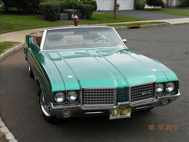 Oldsmobile cutlass supreme used cars for sale for Checkered flag motors everett wa