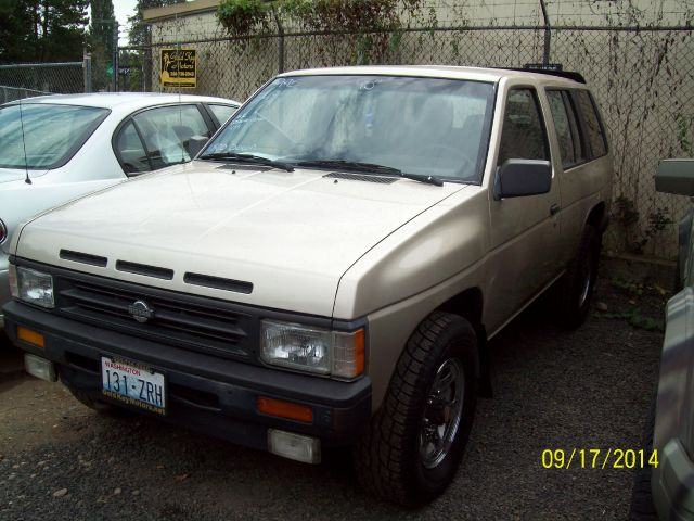 1990 Nissan Pathfinder
