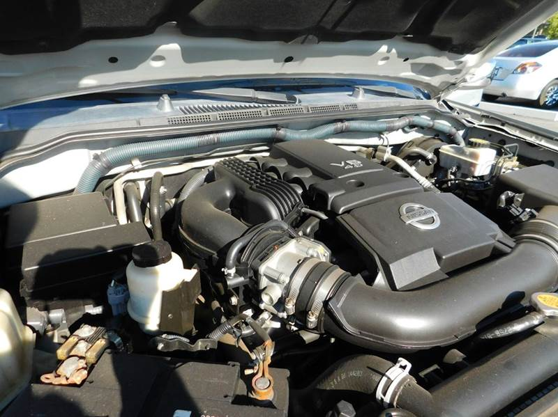 2010 Nissan Frontier LE 4x2 4dr Crew Cab SWB Pickup 5A - Mesa AZ