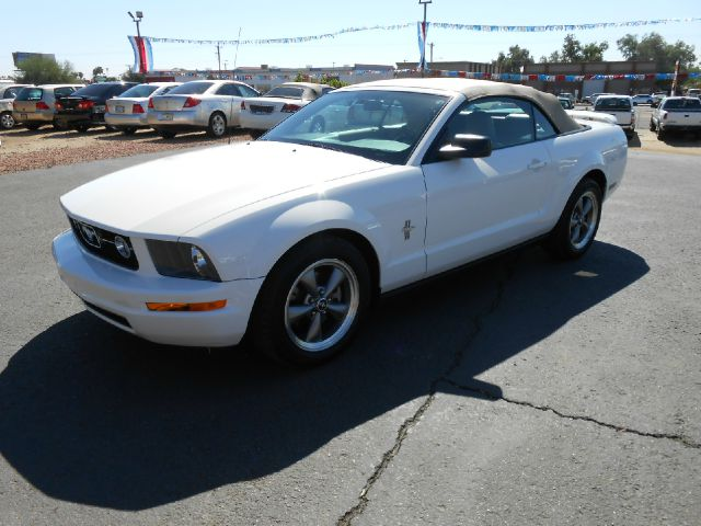 2006 ford mustang for Currie motors frankfort illinois