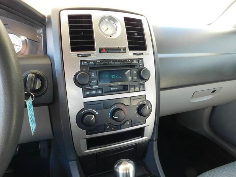 2006 Chrysler 300 4dr Sedan - Mesa AZ
