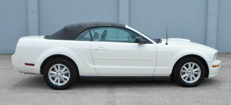 2007 Ford Mustang V6 Deluxe 2dr Convertible - Tulsa OK