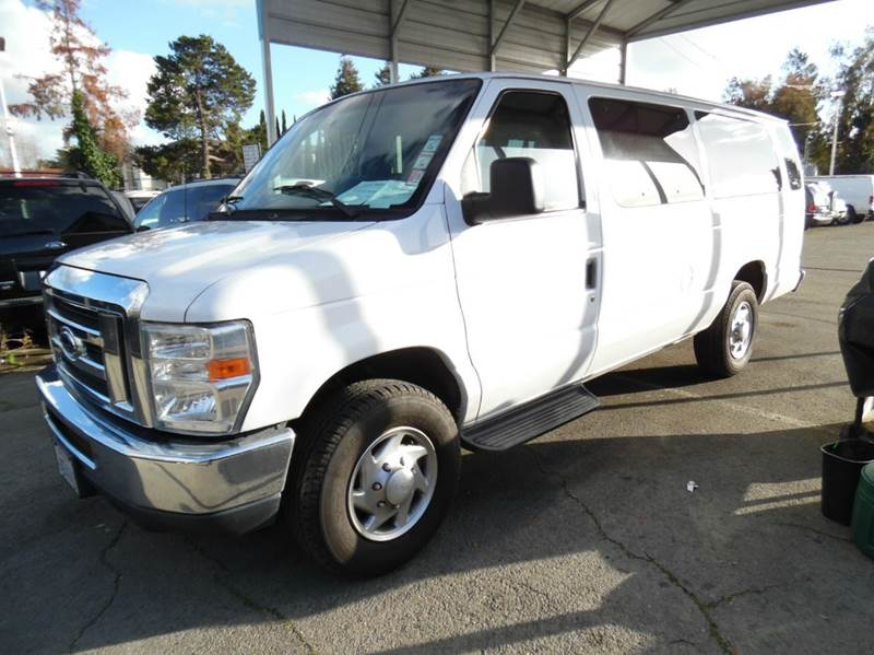 2010 FORD E-SERIES WAGON E-350 SD XLT 3DR EXTENDED PASSEN white need financing we can help call