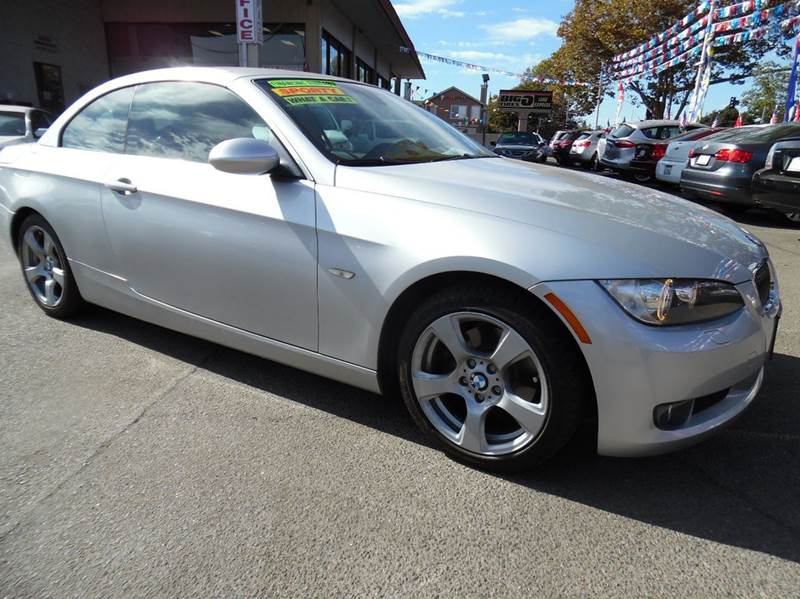 2009 BMW 3 SERIES 328I 2DR CONVERTIBLE SULEV silver need financing we can help call now  call