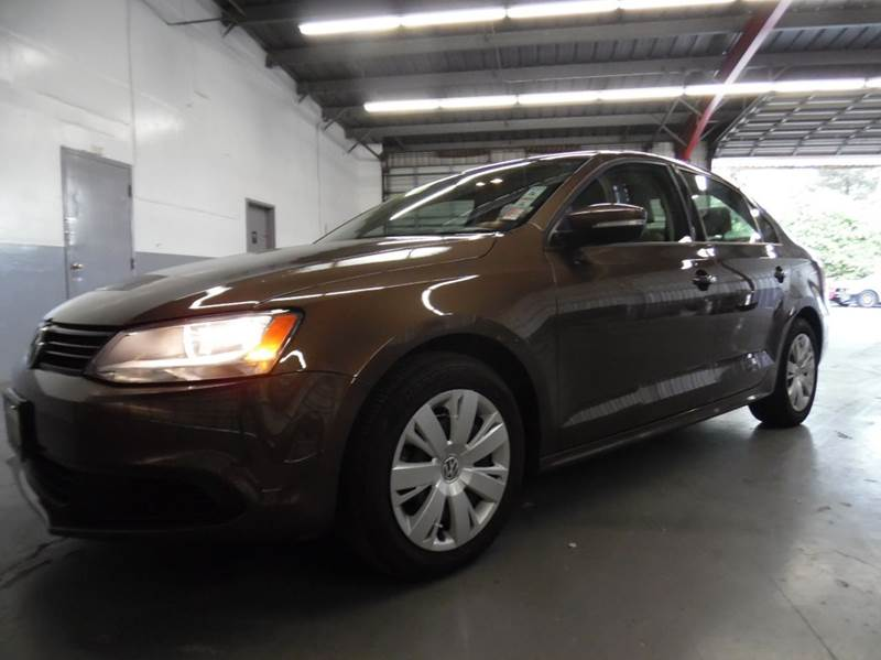 2014 VOLKSWAGEN JETTA SE 4DR SEDAN 6A WCONNECTIVITY bronze need financing we can help call now