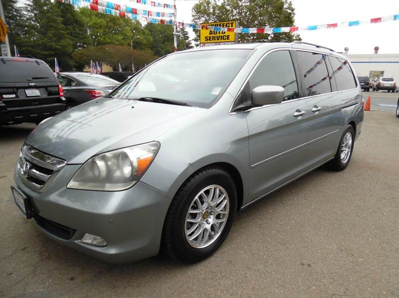 2007 HONDA ODYSSEY TOURING WNAVI WDVD 4DR MINI VA gray need financing we can help call now