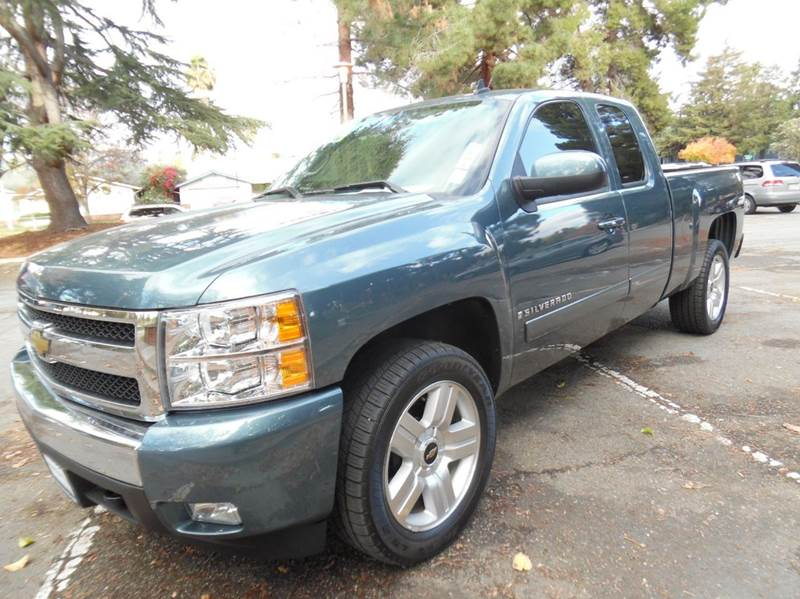2008 CHEVROLET SILVERADO 1500 LT1 2WD 4DR EXTENDED CAB 58 FT blue need financing we can help