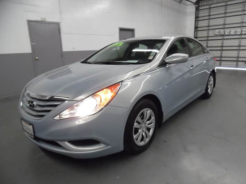 2013 HYUNDAI SONATA GLS 4DR SEDAN silver blue need financing we can help call now  call today