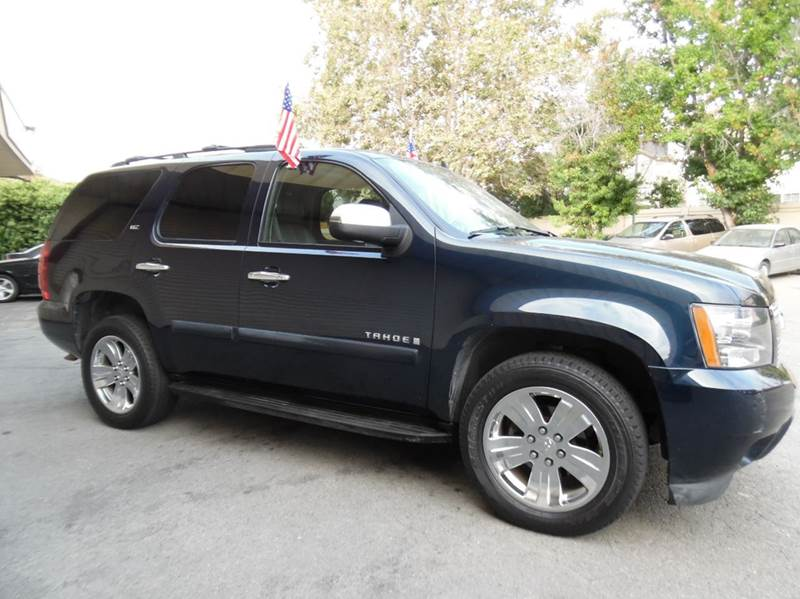 2008 CHEVROLET TAHOE LTZ 4X4 4DR SUV dark blue need financing we can help call now  call today