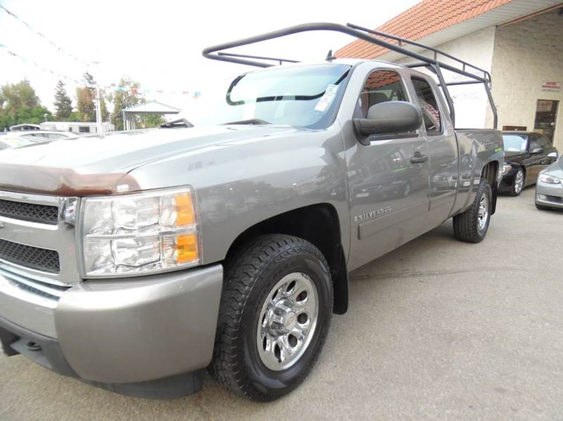 2007 CHEVROLET SILVERADO 1500 LT1 4DR EXTENDED CAB 58 FT SB gray need financing we can help c