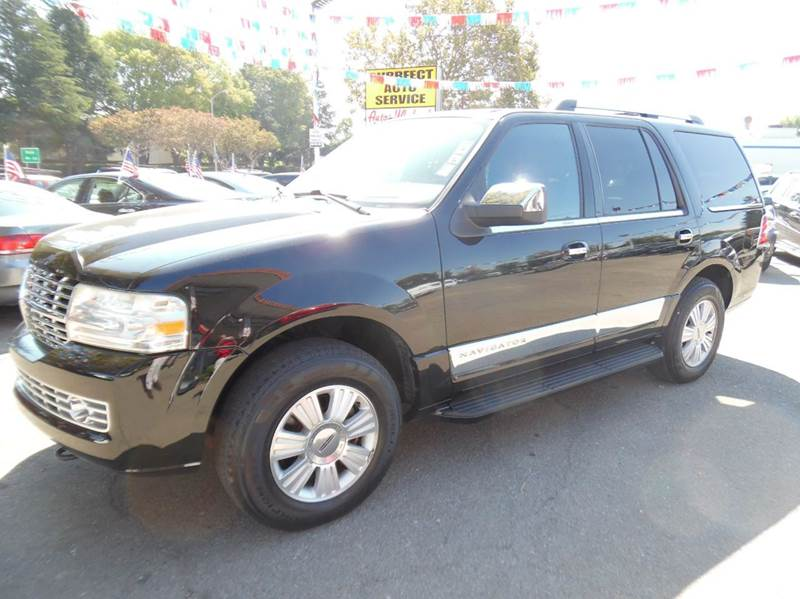 2007 LINCOLN NAVIGATOR LUXURY 4DR SUV 4WD black need financing we can help call now  call toda