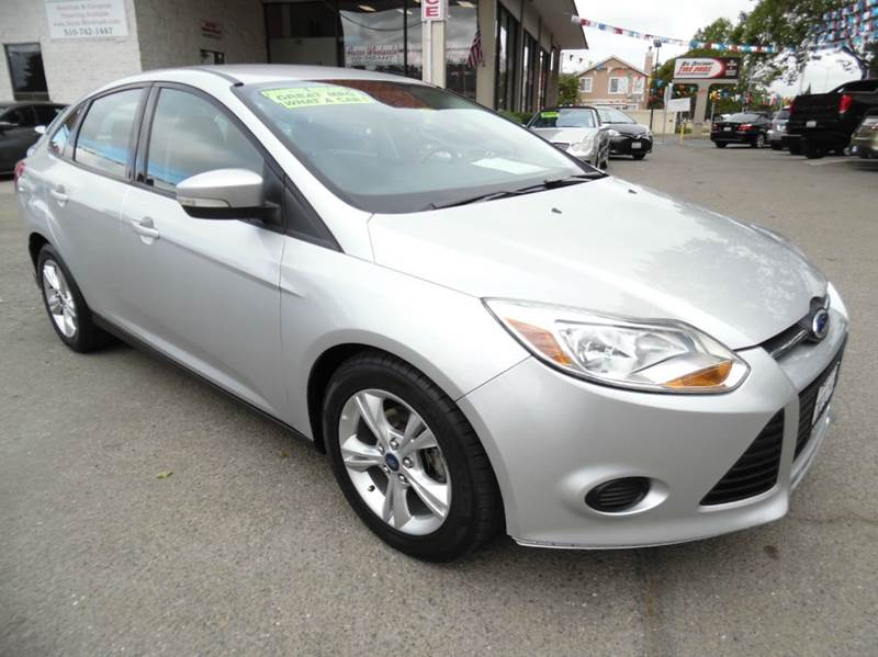 2013 FORD FOCUS SE 4DR SEDAN silver need financing we can help call now  call today  call the