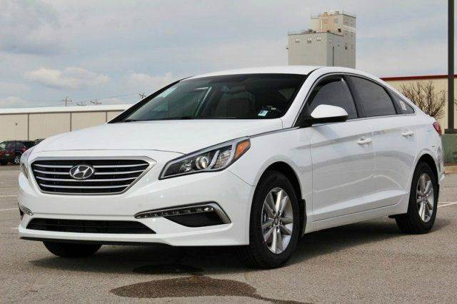 2015 HYUNDAI SONATA SE 4DR SEDAN white need financing we can help call now  call today  call