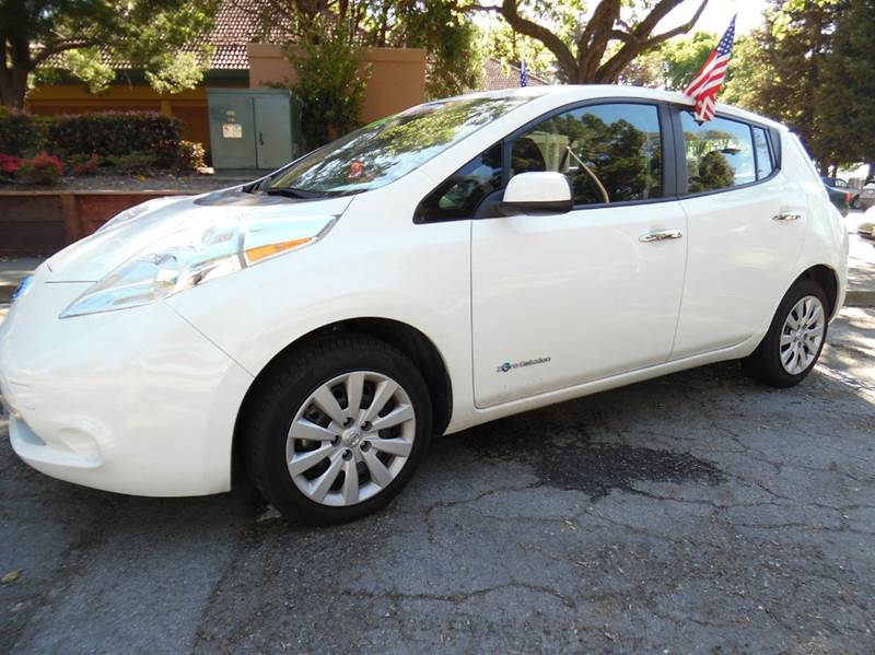 2013 NISSAN LEAF S 4DR HATCHBACK white need financing we can help call now  call today  call t