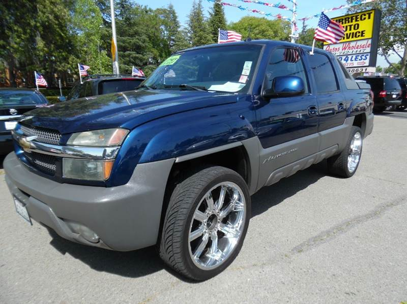 2002 CHEVROLET AVALANCHE 2500 4DR 4WD CREW CAB SB blue need financing we can help call now  ca