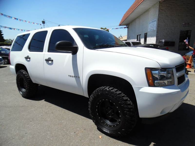 2009 CHEVROLET TAHOE LS 4X4 4DR SUV white need financing we can help call now  call today  ca