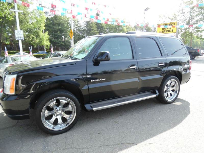 2005 CADILLAC ESCALADE BASE AWD 4DR SUV black need financing we can help call now  call today