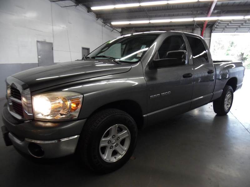 2007 DODGE RAM PICKUP 1500 SLT 4DR QUAD CAB SB gray need financing we can help call now  call