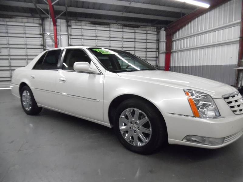 2011 CADILLAC DTS PREMIUM COLLECTION 4DR SEDAN pearl white need financing we can help call now