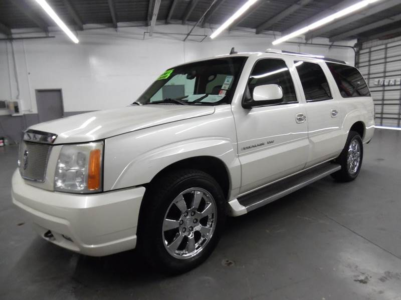 2006 CADILLAC ESCALADE ESV PLATINUM EDITION AWD 4DR SUV pearl white need financing we can help c