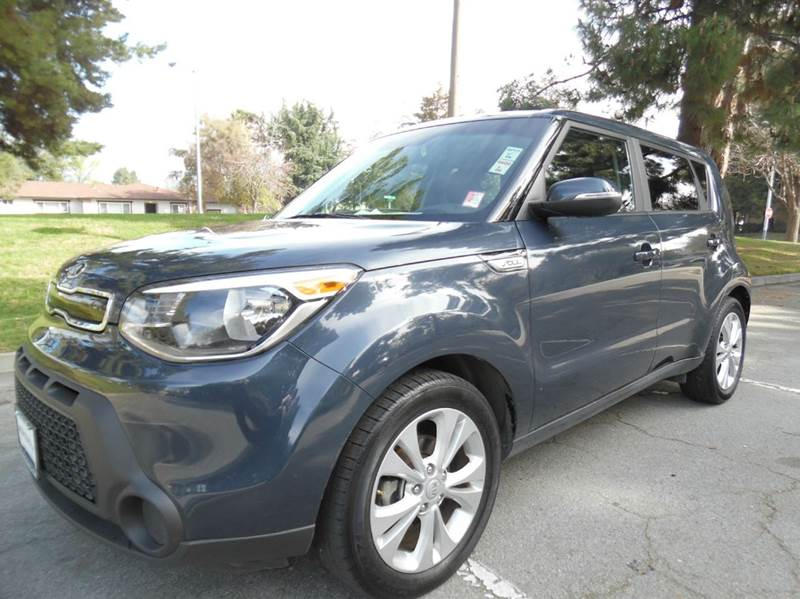 2014 KIA SOUL  4DR WAGON dark blue need financing we can help call now  call today  call the