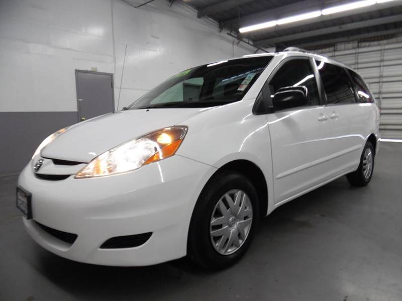 2009 TOYOTA SIENNA LE 7-PASSENGER 4DR MINI VAN white need financing we can help call now  call