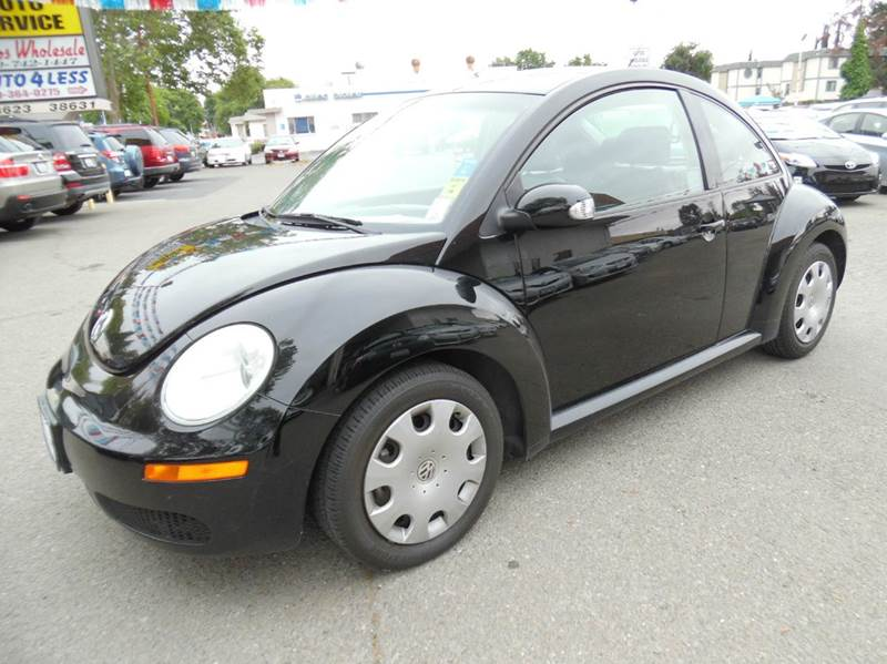 2010 VOLKSWAGEN NEW BEETLE BASE PZEV 2DR HATCHBACK 6A black need financing we can help call now