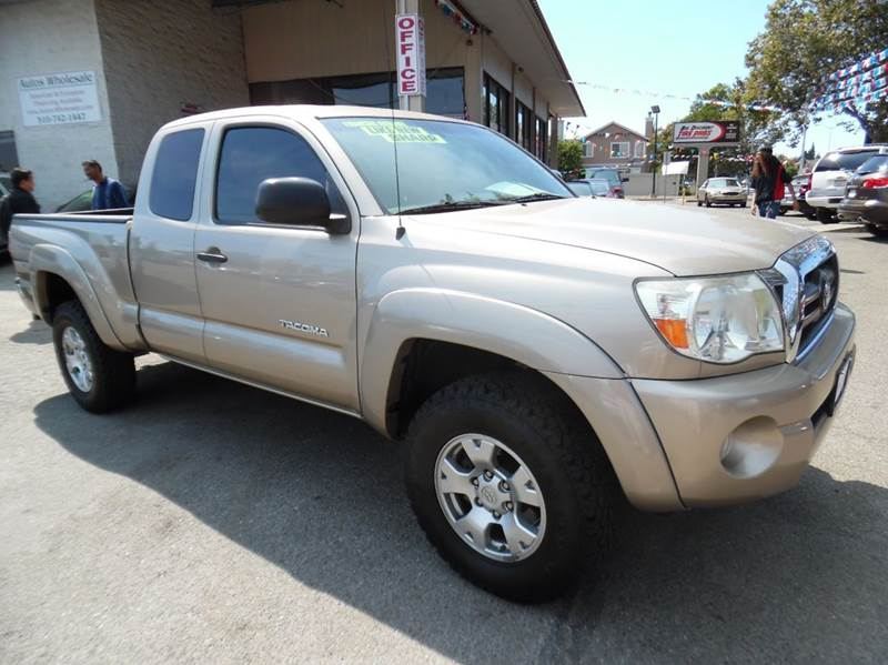 2008 TOYOTA TACOMA PRERUNNER V6 4X2 4DR ACCESS CAB gold mica need financing we can help call no