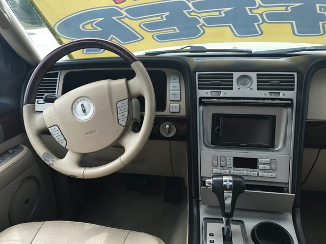2005 Lincoln Navigator Luxury 4WD 4dr SUV - Woodstock IL