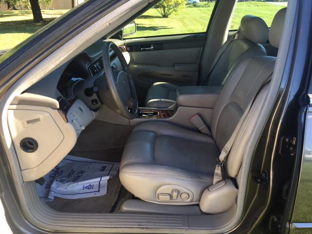 2002 Cadillac Seville SLS 4dr Sedan - Woodstock IL