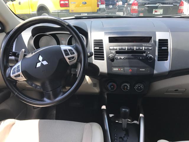 2008 Mitsubishi Outlander SE 4dr SUV - Woodstock IL