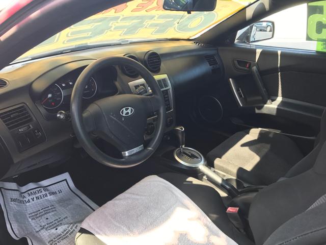 2004 Hyundai Tiburon Base 2dr Hatchback - Woodstock IL