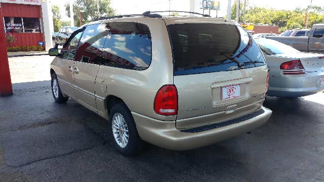 2000 Chrysler Town and Country 4dr LXi Extended Mini-Van - Westerville OH