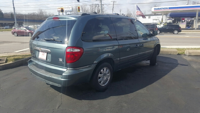 2005 chrysler town and country in westerville oh auto world. Cars Review. Best American Auto & Cars Review