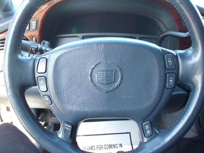 2005 Cadillac DeVille 4dr Sedan - Aurora IL