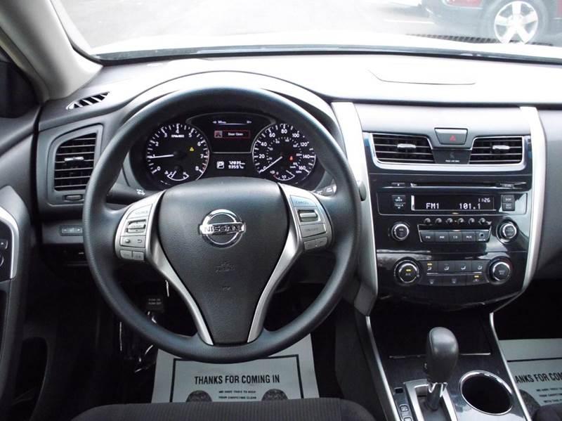 2013 Nissan Altima 2.5 4dr Sedan - Aurora IL