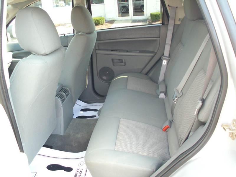2007 Jeep Grand Cherokee Laredo 4dr SUV 4WD - Aurora IL