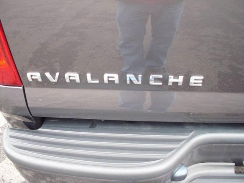 2010 Chevrolet Avalanche 4x4 LS 4dr Pickup - Aurora IL