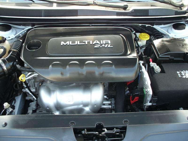 2015 Chrysler 200 S 4dr Sedan - Aurora IL
