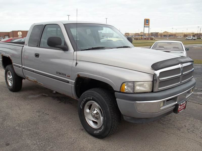 1999 dodge ram pickup 1500 st 4dr 4wd extended cab sb in bourbonnais il town country motors. Black Bedroom Furniture Sets. Home Design Ideas