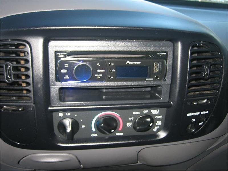 2003 Ford F-150 SVT Lightning 2dr Regular Cab Rwd Flareside SB - Goldsboro NC