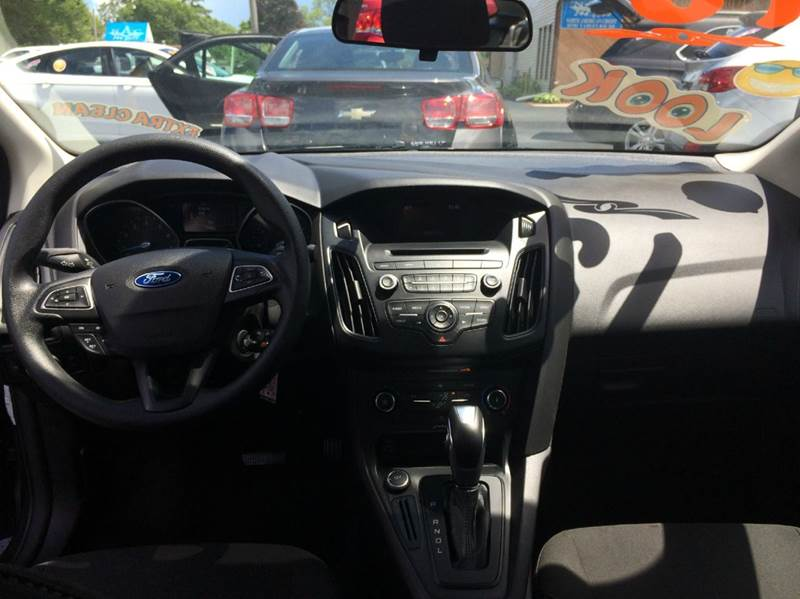 2015 Ford Focus SE 4dr Sedan - Waukegan IL