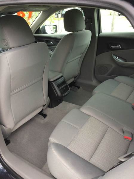 2014 Chevrolet Impala LS 4dr Sedan - Waukegan IL
