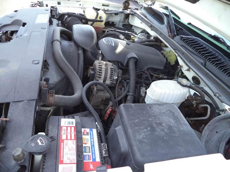 2006 Chevrolet Silverado 2500HD LS 4dr Crew Cab 4WD SB - Suffield CT