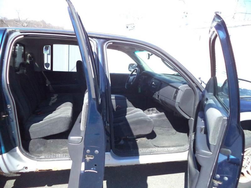 2004 Dodge Dakota 4dr Quad Cab SLT Plus 4WD SB - Suffield CT